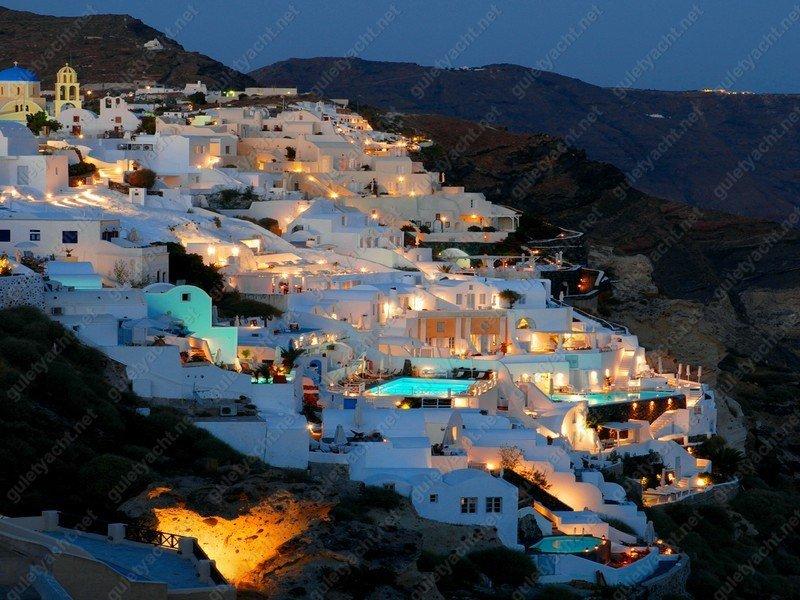 Santorini Luxury Beach Hotels