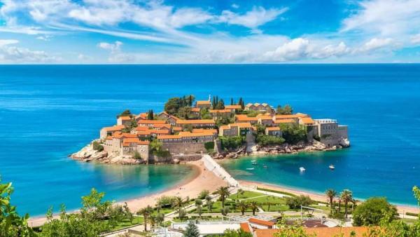Entdecken Sie nach Montenegro