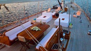 Segelyacht Aria I