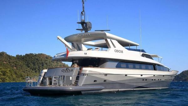 Motoryacht Crocus