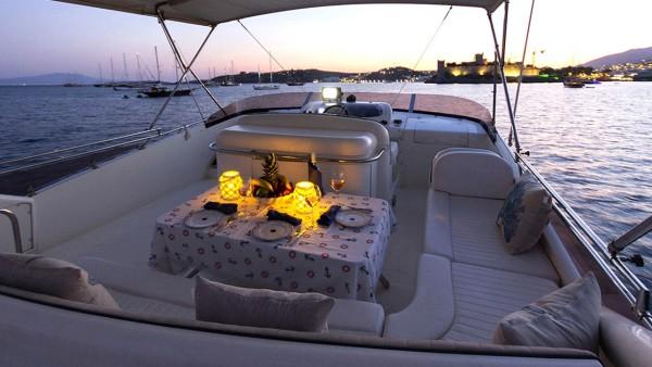 Motoryacht New Dawn